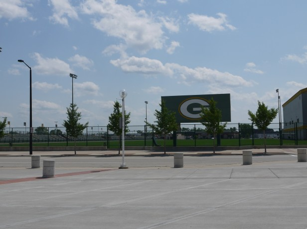 Around Lambeau (11)