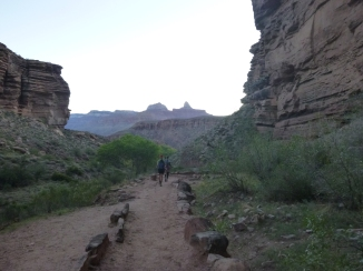 1-down-the-bright-angel-trail-12