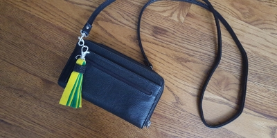 do-it-yourself-how-to-make-easy-team-spirit-tassels