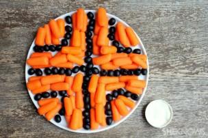 basketball-themed-snack-trays-carrot-olive-basketball_ku5esm