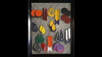 DIY Jewelry display and organization - earring wall hanging